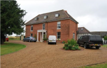 10 bedroom property in Whitewebbs Farm...