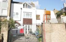 3 bed house in Grafton Crescent, Camden...