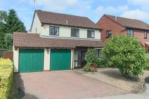 4 bed Detached property in Ashgrove Close...