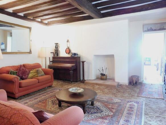 Living Room/ Merchant Hall