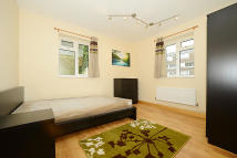 4 bed Flat to rent in Crowndale Court...