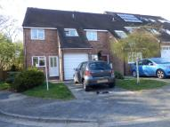3 bedroom semi detached property to rent in Lea Close Marlow