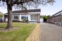 2 bedroom Semi-Detached Bungalow for sale in Montcalm Close...