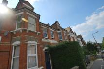 Flat to rent in Surbiton, Surrey