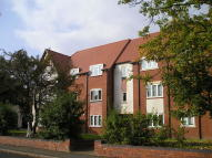 Flat for sale in Grange House...