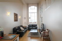 Apartment to rent in Fairfield Road, London...