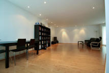 2 bed Apartment in Wick Lane, London, E3