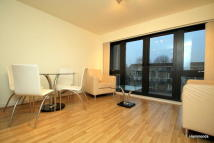 Flat to rent in Windsor Court, Bow E3