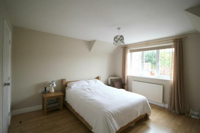 sandmatins bedroom.j