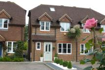 3 bed semi detached property in Fern Lea, Farnham, GU9
