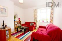 Flat in Teale Street, London