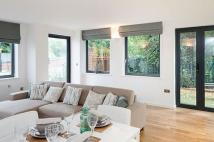 1 bed new Flat for sale in Hampton Hill, London