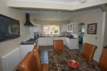 5 bed Detached house in Airfield Road...