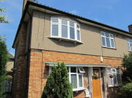 2 bed Flat to rent in Balgores Lane...