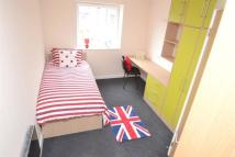 5 bed Flat to rent in Middle Street, Beeston...