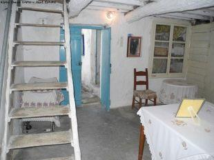 Steps to bedroom