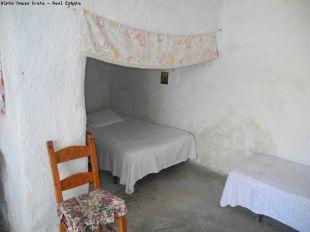 Dining area wth bed