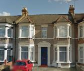 Studio flat to rent in WELLWOOD ROAD, Ilford...