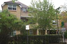 Flat to rent in Rosewood Court...