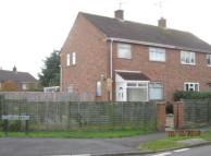 3 bed semi detached house in MOAT CRESCENT, MALVERN...