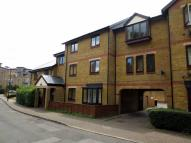 1 bedroom Flat in Riverside Close, London...