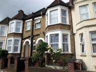 5 bed property in Kyverdale Road, London...