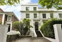 End of Terrace property to rent in Hammersmith Grove...