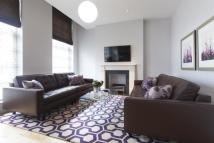 Flat to rent in Bentinck Street...