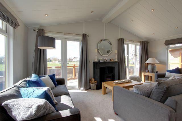 2 Bedroom Lodge For Sale In The Moorlands Saddleworth Oldham