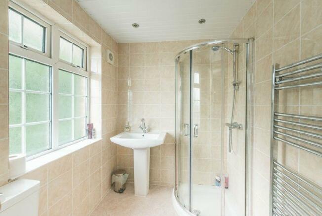 Bathroom (En-S...