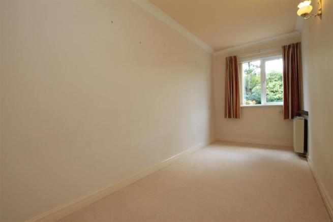 15 Rydal Court bed 2