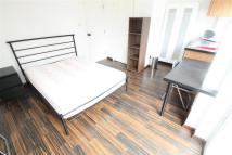 Flat to rent in Bull Stag Green, Hatfield