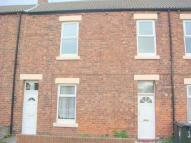 2 bedroom Flat in Victoria Crescent...