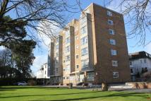 2 bed Flat to rent in West Cliff Road...