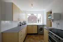 5 bedroom semi detached home to rent in Jasmine Close...