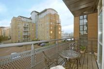 2 bed Flat to rent in Newhouse Crescent...