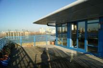 3 bed Penthouse in Somerville Point...