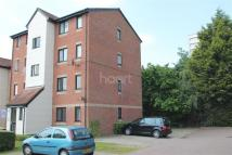 1 bedroom Flat to rent in Magpie Close, Enfield