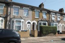 2 bedroom Detached home in Lopen Road, Edmonton