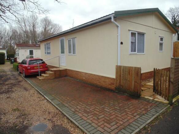 2 Bedroom Park Home For Sale In 27 Redhill 1213 Wimborne
