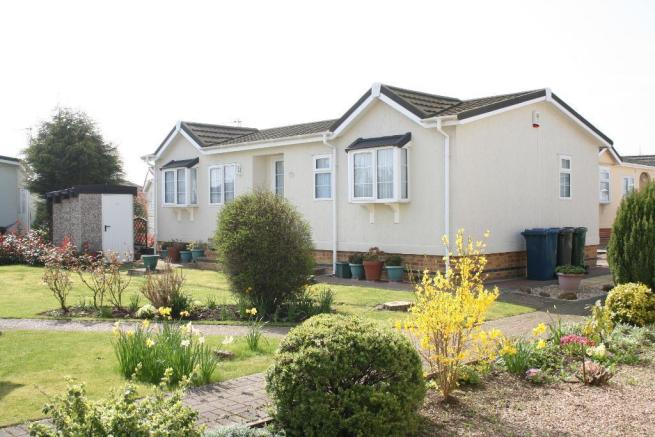 2 Bedroom Park Home For Sale In Meysey Hampton Cirencester