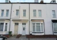 Flat in 17 Westbourne Street...