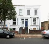 1 bedroom Ground Flat for sale in 124A Lyndhurst Way...