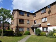 2 bedroom Flat to rent in Burnham Gardens, Croydon