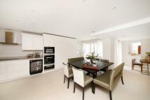 5 bed new development in Hampton Row...