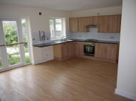 2 bedroom Bungalow to rent in Barking Road, London, E13