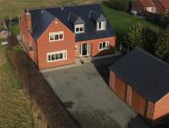 4 bed Detached house for sale in Bunny Lane, East Leake...