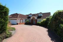 Detached Bungalow in Carnaby Road, Broxbourne