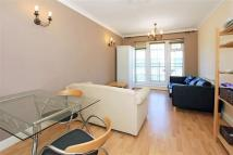 Flat to rent in Dock Street, London