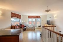 Flat to rent in Florin Court...
